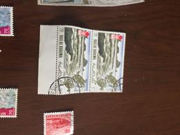 EMIRATI ARABI BLOCCO 2 VALORI - Postzegels