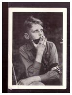 Dt-Reich (020436) Sammelbild Männer Und Ereignisse Unserer Zeit, Bild 241, Hitlerjugend Hitlerjunge Spielt Mundharmonika - Autres