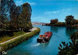 Joigny * Bords De L'yonne à La Sortie Du Canal * Péniche Batellerie - Joigny