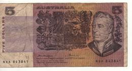 AUSTRALIA  $ 5  P44b     ( Sir Joseph Banks, Plants On Front -  Caroline Chisholm On Back ) - Emissioni Governative Decimali 1966-...