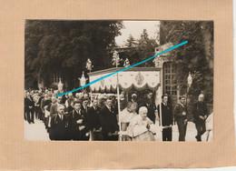 Carte Photo, Cérémonie Religieuse, Procession, Hommes, Curé, A Identifier, A Localiser. - Ansichtskarten