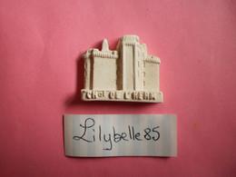 Feve Artisanale - ESSAI / PROTO - CHATEAU DE L' HERM - MOULIN A HUILE - MH ( Feves Figurine Miniature ) - Regio's