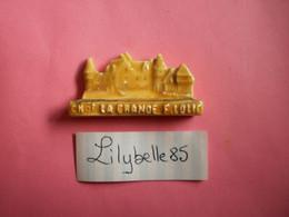 Feve Artisanale - CHATEAU DE LA GRANDE FILOLIE - MOULIN A HUILE - MH ( Feves Figurine Miniature ) - Regio's