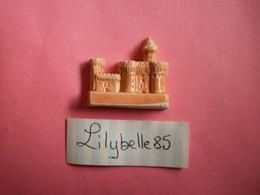 Feve Artisanale - CHATEAU - MOULIN A HUILE - MH ( Feves Figurine Miniature ) - Regio's