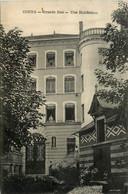 Cours * Grande Rue * Une Habitation * Villa - Cours-la-Ville