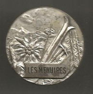 Médaille , Insigne , Sports D'hiver , SKI ,  LES MENUIRES ,  Dia. 40 Mm ,  2 Scans, Frais Fr 1.85 E - Sport Invernali