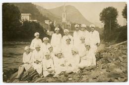 Lourdes. Infirmières Croix De Lorraine Ou Croix Archiépiscopale Ou Croix Patriarcale.figure Dans Blasons Des Archevêques - Rotes Kreuz