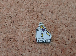 PINS RUGBY ECOLE EVMBO MALEMORT (19) - Rugby