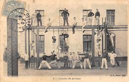 Thème Sport  .    Gymnastique Militaire .  L'assaut Du Portique     (Voir Scan) - Gymnastics
