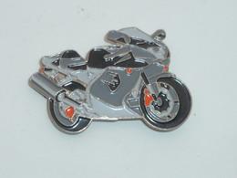 Pin's MOTO 056 - Motorfietsen