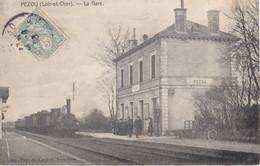 PEZOU- LA GARE - Coin Bas Gauche Cassé+ Déchirure - Andere Gemeenten