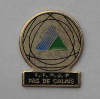 PINS PETANQUE F.F.P.J.P PAS DE CALAIS - Bocce