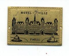 Médaille Ou Décoration émaillée (?) Hôtel De Ville De Paris / (fin XIXème - Début XXème) - France