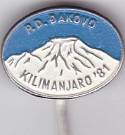 CROATIA   --  2 X  PIN  --   P. D. DJAKOVO  --  KILIMANDJARO - Alpinisme, Beklimming