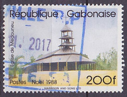 Timbre Oblitéré N° 655(Yvert) Gabon 1988 - Noël, église De Medouneu - Gabón (1960-...)