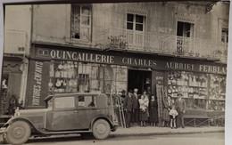 CARTE PHOTO VESOUL (70): Quincaillerie Ferblanterie Charles AUBRIET Avec Propriétaires Devant (années 20) - Vesoul