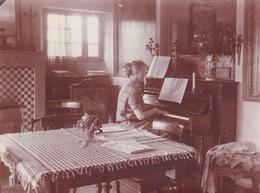 Dame Au Piano 1924 Le Patelin CAVALAIRE - Anonymous Persons