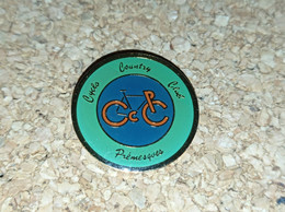 PINS CYCLISME VELO  COUNTRY CLUB PREMESQUES (59) - Ciclismo