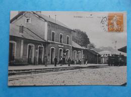 17 : FOURAS : LA GARE , Avec TRAIN  ,animée ,C P A , En Bon état - Fouras-les-Bains