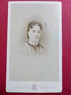 Photo CDV Second Empire - Portrait De Mme Édouard Crousse Inspecteur Des Forêts - Circa 1870 - Pierre Petit à Paris TBE - Ancianas (antes De 1900)