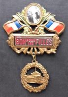 - Ancien Insigne De Conscrits - Bon Pour Les Filles - Char - Militaire - - Other