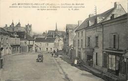 MONTREUIL BELLAY - La Place Du Marché. - Montreuil Bellay