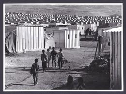 PALESTINIAN REFUGEES CAMP UNRWA PRESS PHOTO (not Postcard) Size 18 X 24 Cm East Jordan Palestine 1972 - Palästina