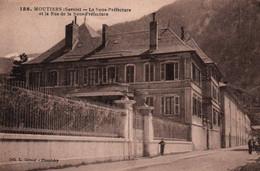 CPA - MOUTIERS - Sous-Préfecture Et La Rue - Edition L.Grimal - Moutiers