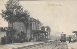 D58 - TANNAY - LA GARE - Groupe De Personnes Sur Le Quai De La Gare - Train - Tannay