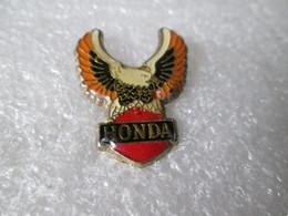 PIN'S    MOTO    HONDA - Motorfietsen