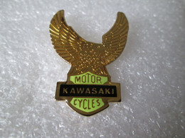 PIN'S    MOTO    KAWASAKI  MOTOR CYCLES - Motorfietsen