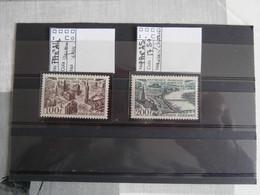 Timbres-poste P.A. N° 24+25 Neufs, 100f Brun-violet - 200f Vert - 1927-1959 Neufs