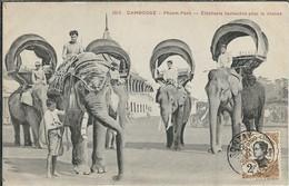 ASIE : VIET-Nam : Cambodge, Phnom-Penh, Eléphants Harnachés Pour La Chasse - Vietnam