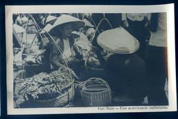 Cpa Carte Photo Du Viêt-Nam Une Marchande Ambulante  -- Vietnam  SE20-8 - Vietnam
