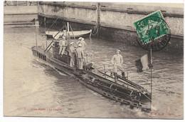 17-LA PALLICE-ROCHELLE-Sous-Marin LA LOUTRE...1910   Animé - Other Municipalities
