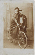 Carte Photo : Couple Ancien Vélo - Andere