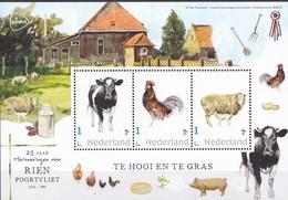 Nederland - Rien Poortvliet - Velletje - Te Hooi En Te Gras - Koe/haan/schaap  - MNH - Personalisierte Briefmarken