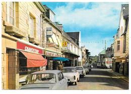 22 - ERQUY - Rue Foch - Ed. Pierre Artaud N° 92 - Voitures: Renault R8, Simca Aronde, Peugeot 404 - Erquy
