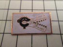 715d Pin's Pins / Rare Et De Belle Qualité !!! THEME AUTRES / LES GUEULES NOIRES MINE MINEUR - Other