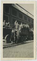 Guerre De 1939-45 . Libération De Paris 25 Août 1944 . Transports De Troupes . - Krieg, Militär