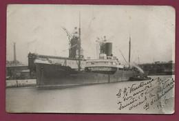 011020 - CARTE PHOTO MARINE BATEAU - Navire Paquebot - Le SS VENDOME Devant Appareil De Déchargement - Paquebote