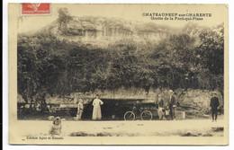 16-CHATEAUNEUF-SUR-CHARENTE-Grotte De La Font-qui-Pisse...1909  Animé - Chateauneuf Sur Charente