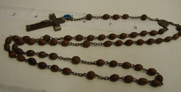 Chap. 25. Chapelet De 59 Perles En Bois Teintés Chaîne, Intermédiaire En Laiton - Religion & Esotérisme