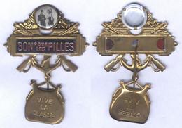 Insigne De Conscrit - Bon Pour Les Filles - Vive La Classe - Unclassified