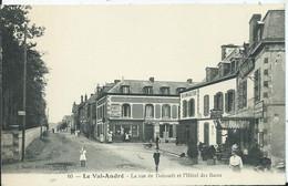 VAL ANDRE - La Rue De Dahouët Et L'Hôtel Des Bains - Pléneuf-Val-André