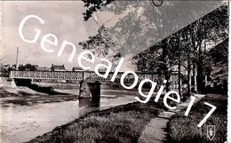 CPA 03 05 COSNE D ALLIER  ALLIER Le Pont Sur L Oeil Et La Baignade - Non Classés