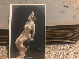Ancienne Carte Postale Photo - érotique Femme Dénudée Le Peplum Reuslirijer Paris 917/5 - Andere Fotografen