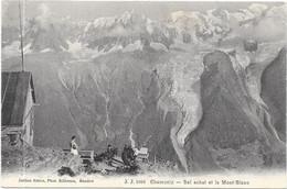 CHAMONIX : BEL ACHAT ET LE MONT BLANC - Chamonix-Mont-Blanc