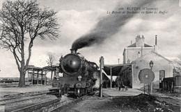 16. CHARENTE - RUFFEC - Le Rapide De Bordeaux En Gare. - Ruffec