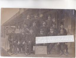 CPA PHTO - 61 - LAIGLE (Orne) - LE PERSONNEL De La GARE Des CHEMINS De FER De LAIGLE En 1910 - CLICHE SUPERBE ET RARE - - Sonstige